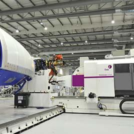 Cincinnati VIPER Fiber Placement System Automated Composites Processing תוצרת חברת Fives Cincinnat